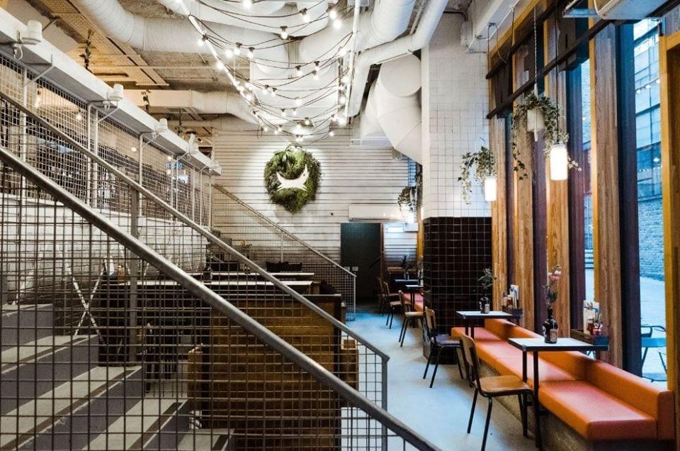 Tavoli al BrewDog AF Bar