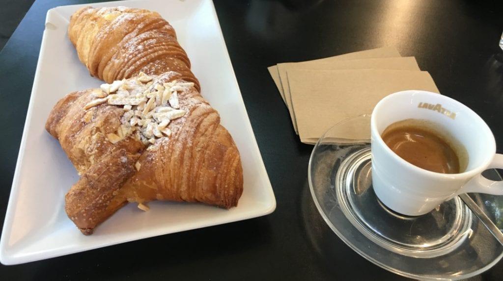 Croissant e caffè espresso, Casa Manfredi