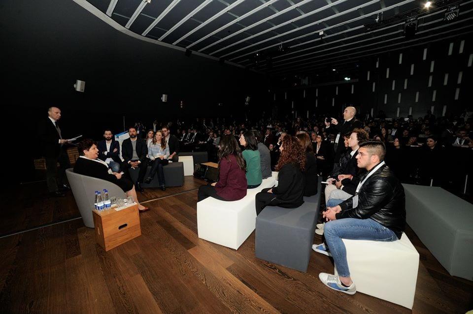 I giovani a confronto con il ministro Bellanova al MAXXI