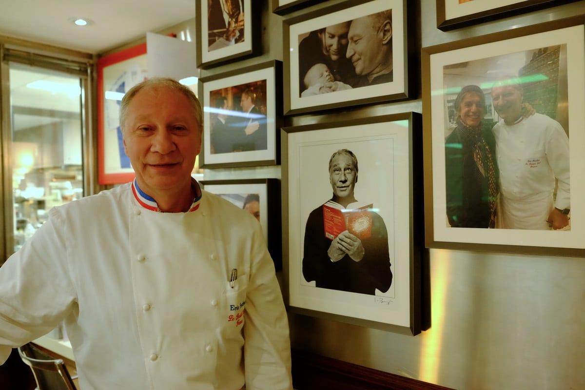 Eric Frechon ritratto nel suo ristorante