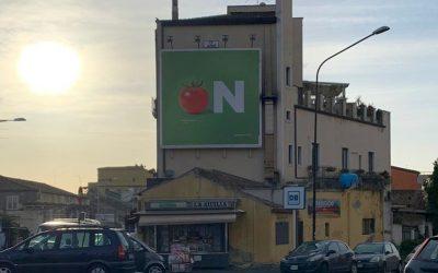 Un cartellone pubblicitario di fud on a Catania