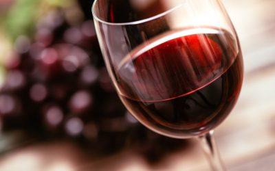 Un calice di vino rosso