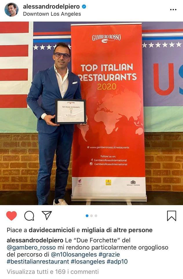 Alessandro Del Piero con il premio Due Forchette a Los Angeles