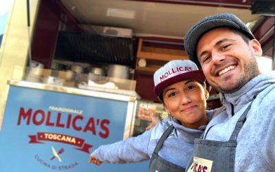 Silvia e Mattia con il food truck Mollica's