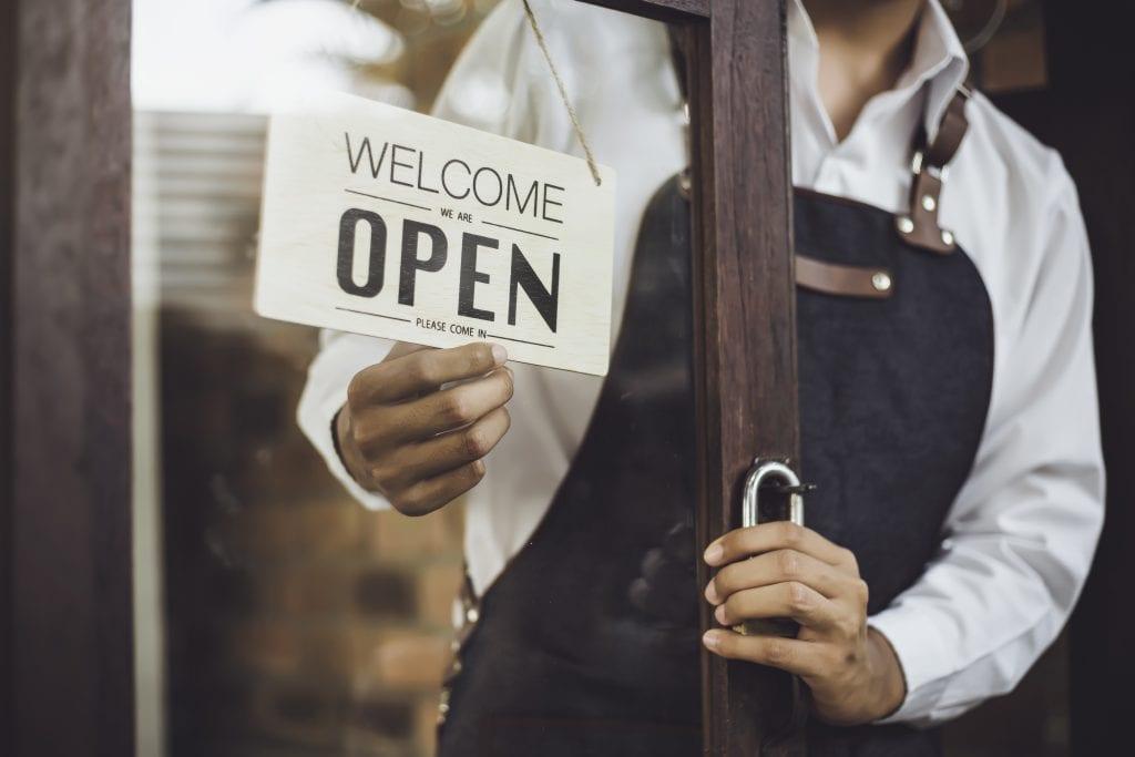 Insegna ristoranti aperti