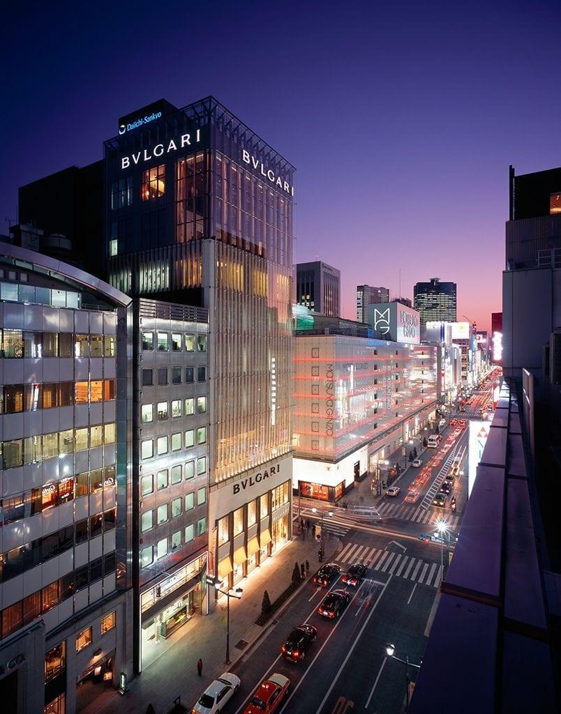 La Bulgari Ginza Tower a Tokyo, di notte
