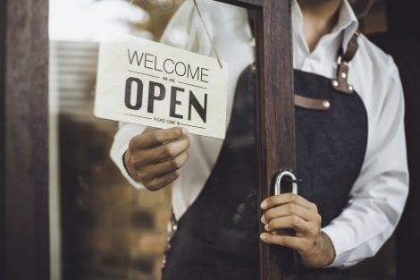 Cartello open ristorante