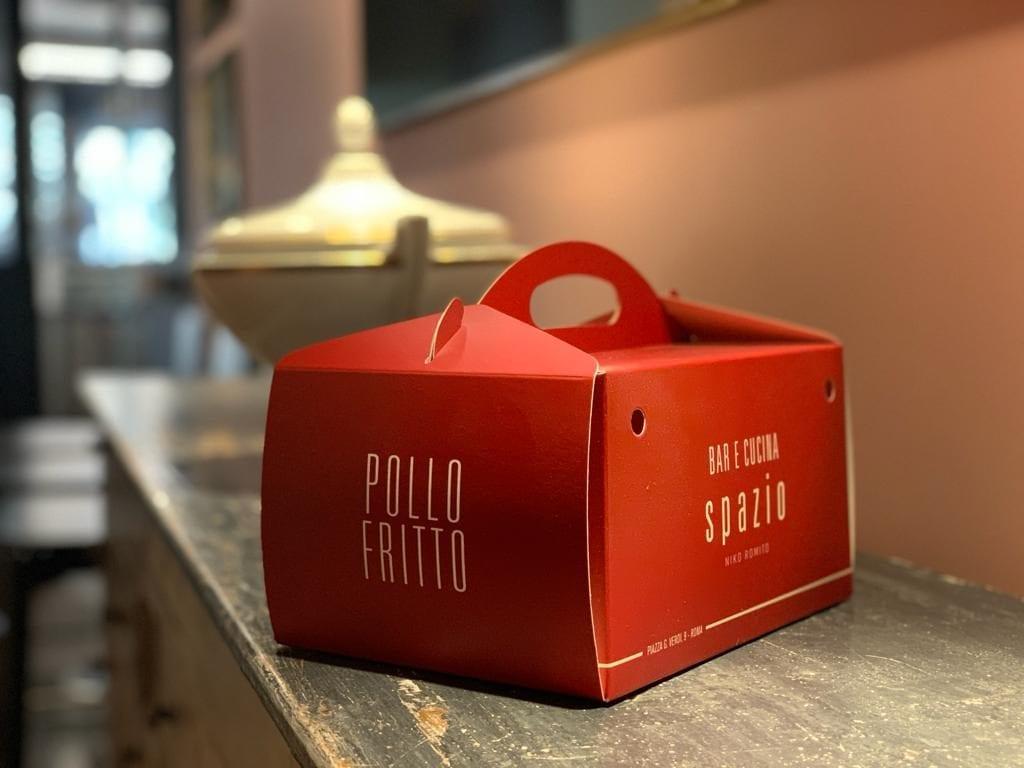 scatola di pollo fritto di Niko Romito per food delivery