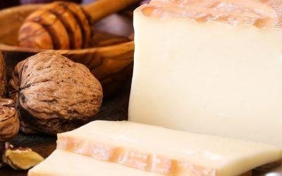 I piccoli produttori di formaggi Dop italiani non vendono e soffrono. Gli appelli, le idee, le soluzioni
