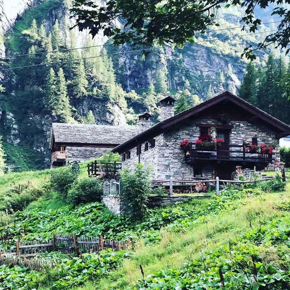 Il rifugio Alpe Burki a Macugnaga