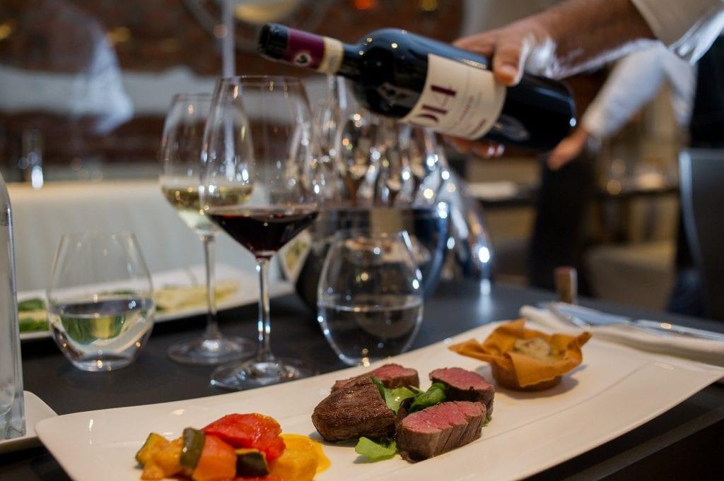 Servizio al tavolo al ristorante Mancini di Stoccolma