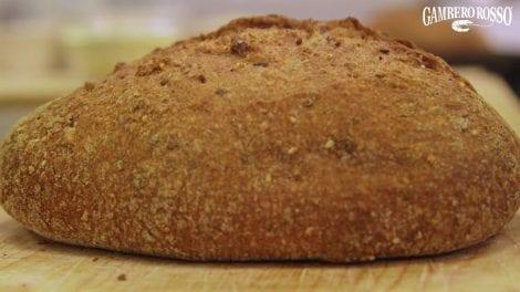 Pane integrale ai semi. La ricetta di Giulia Miatto e Rita Monastero