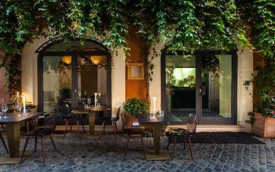 Tavolini all'aperto a Roma. Ecco come funziona la nuova delibera