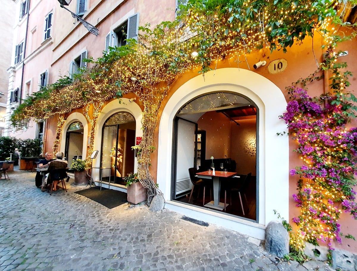 L'esterno del ristorante Per Me a Roma