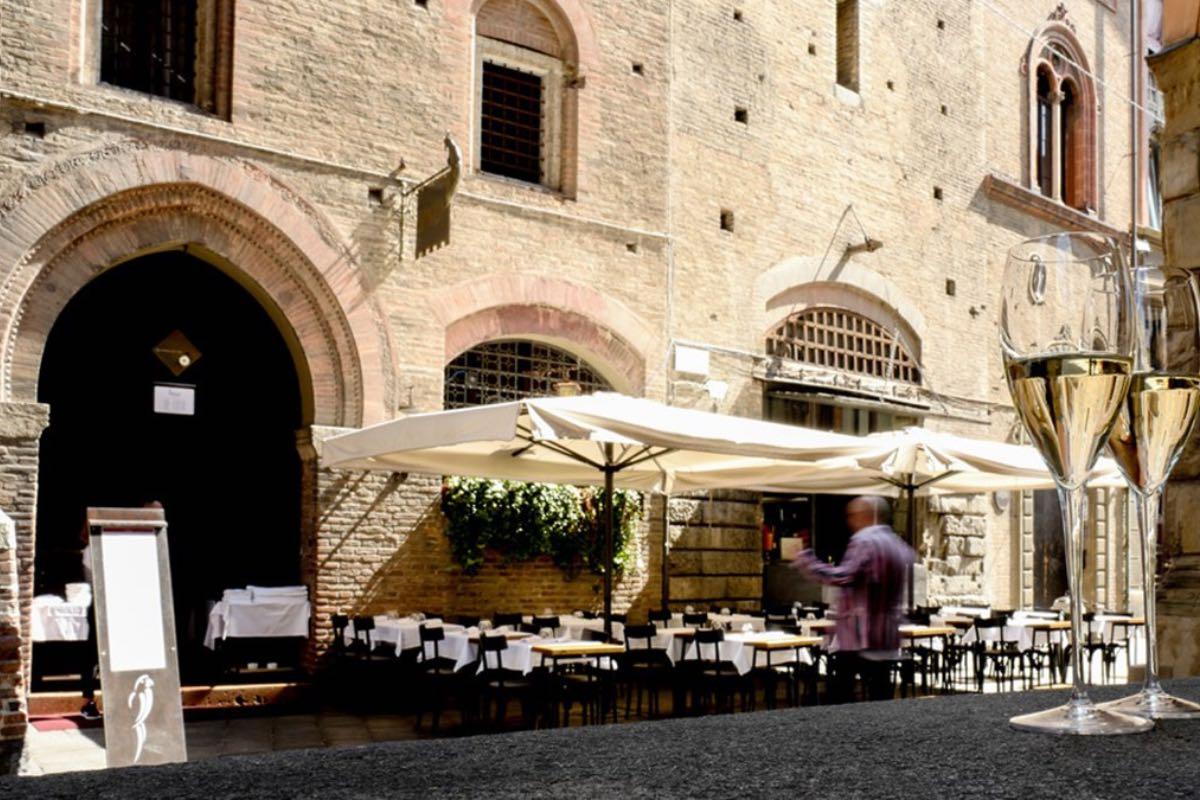 Al Pappagallo - Mangiare all'aperto Bologna