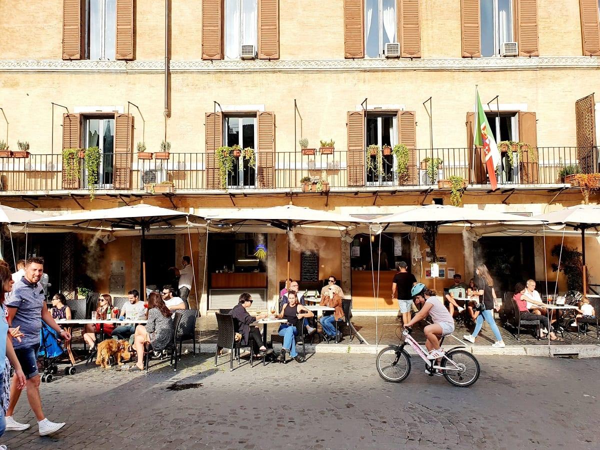 I tavoli di Camillo in piazza Navona