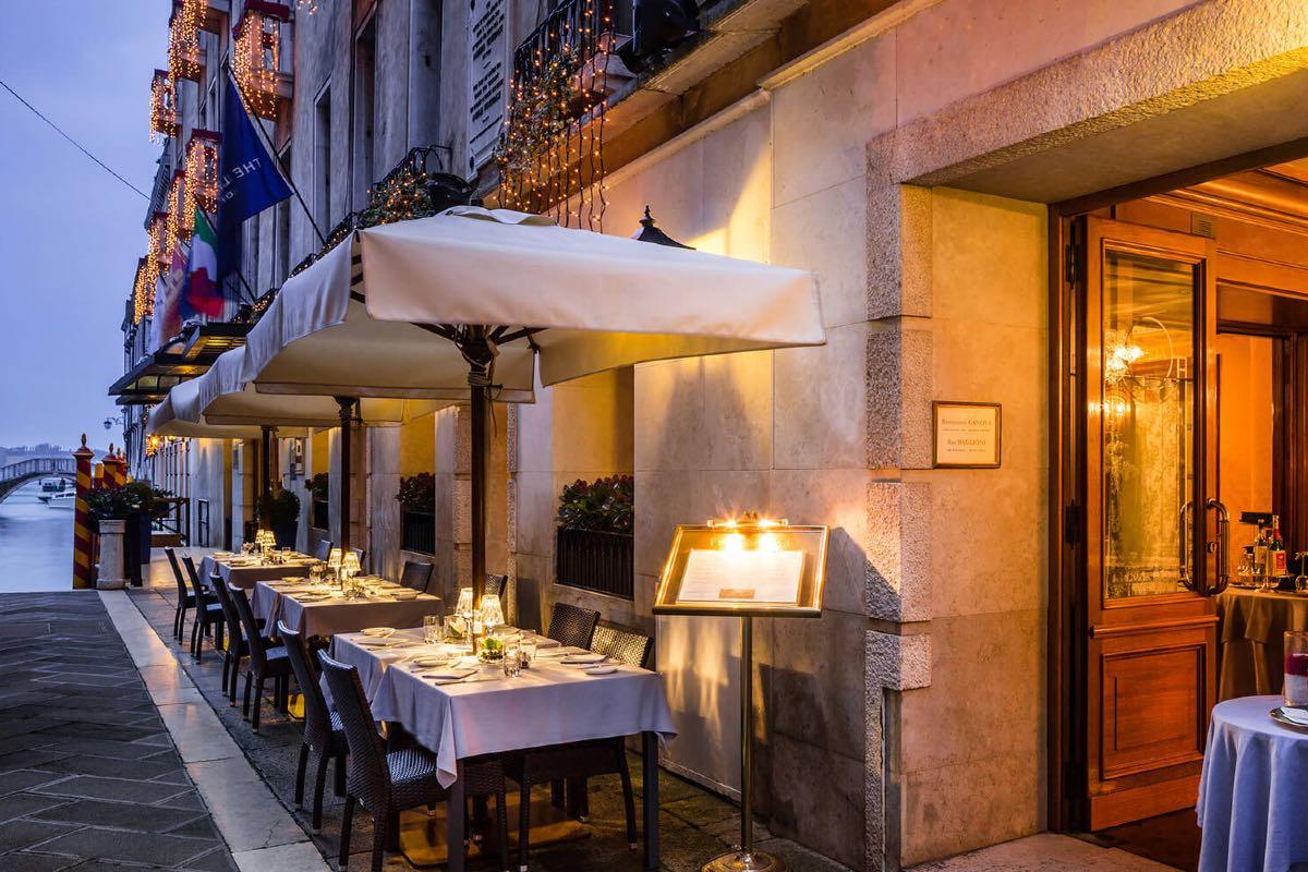 mangiare a Venezia all'aperto - Canova del Baglioni Hotel Luna