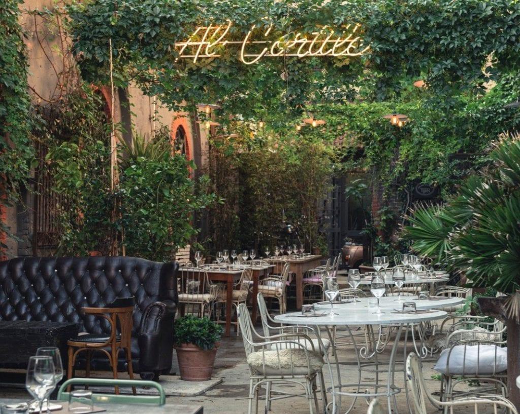 Il giardino di Al Cortile a Milano