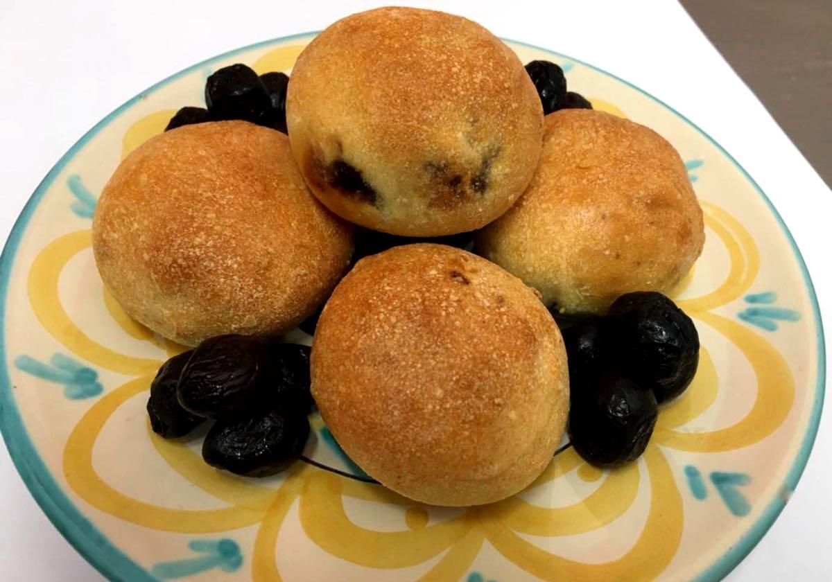 pane e pace Matera - Ricetta panini con le olive