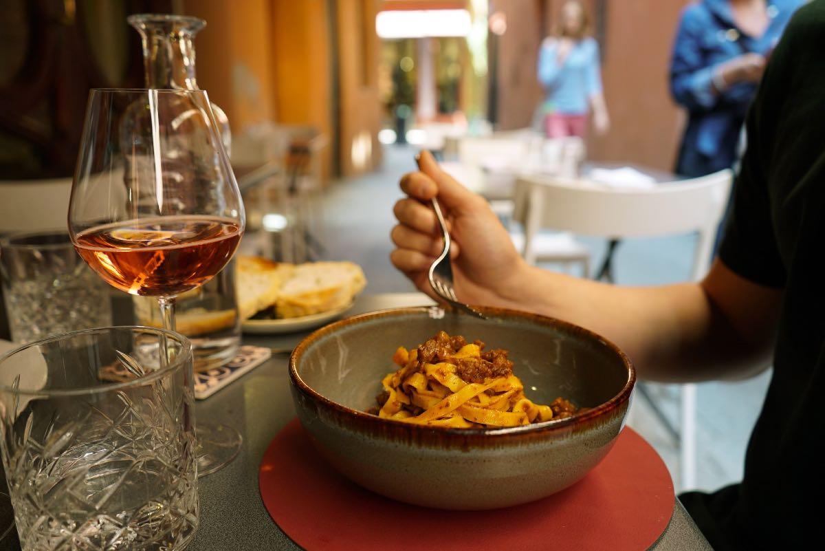 Mangiare all'aperto Bologna - Vicolo Colombina