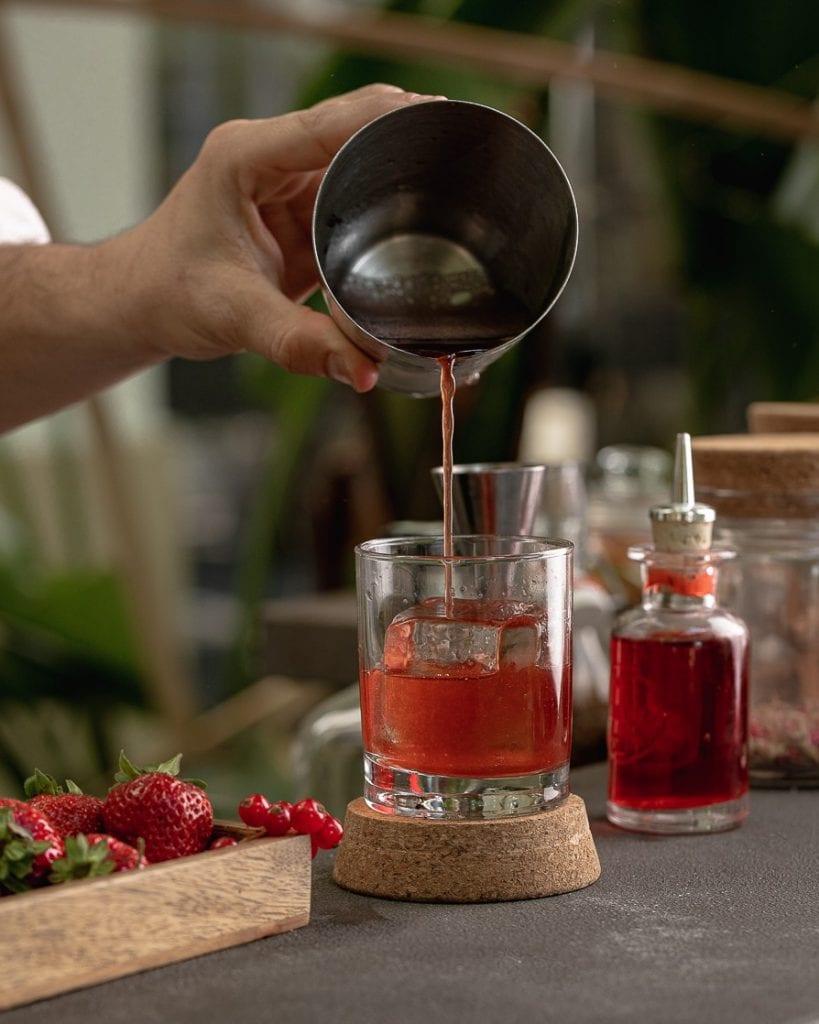 Preparazione di un cocktail al MAXXI