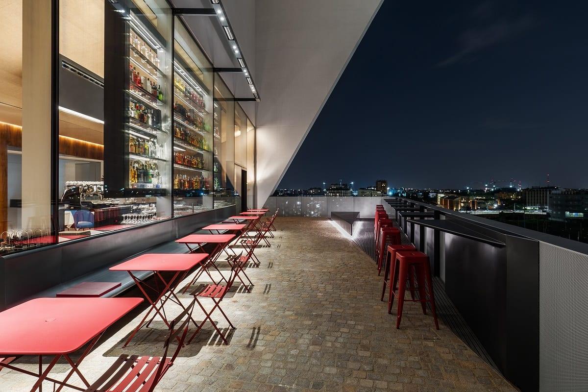 la terrazza sulla Torre di Fondazione Prada