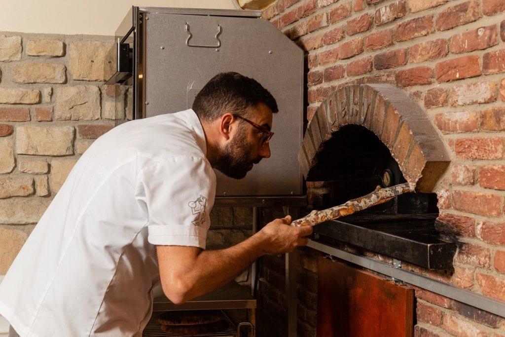 Antonio Pappalardo al forno della pizza