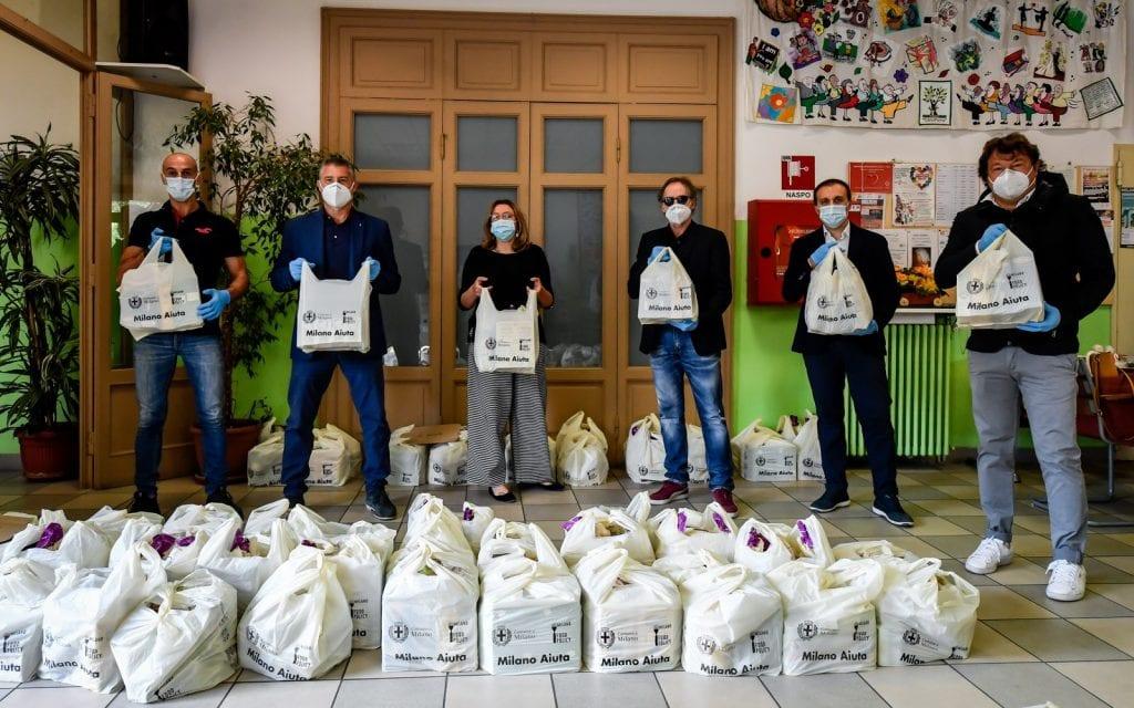 distribuzione di cibo gratis alle persone in difficoltà