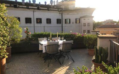 Tavolo in terrazza all'Hotel Vilòn