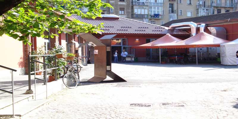 Il cortile del Cecchi Point a Torino