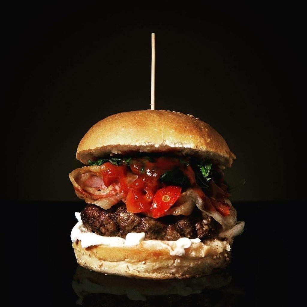hamburger di cibando