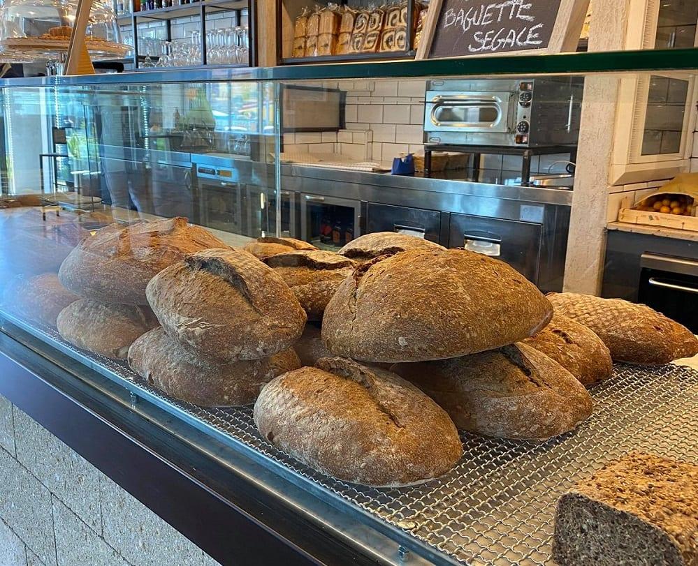 La vetrina del pane di Foorn