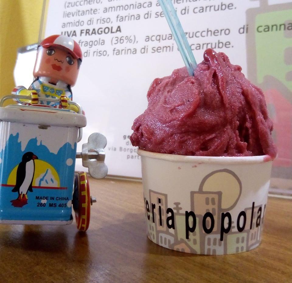 il gelato alla fragola di Gelateria popolare