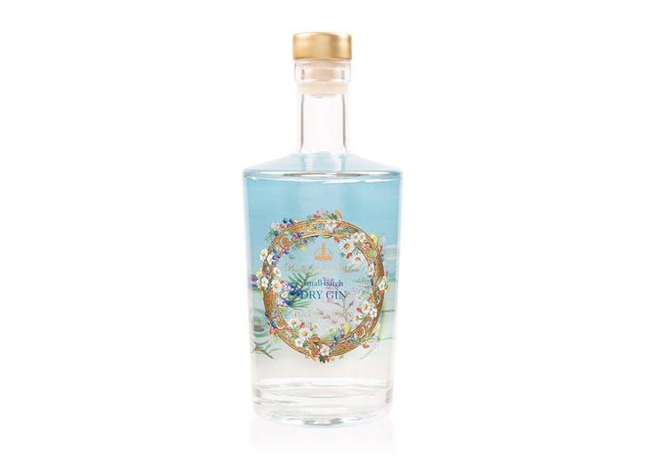 una bottiglia di gin della regina Elisabetta II