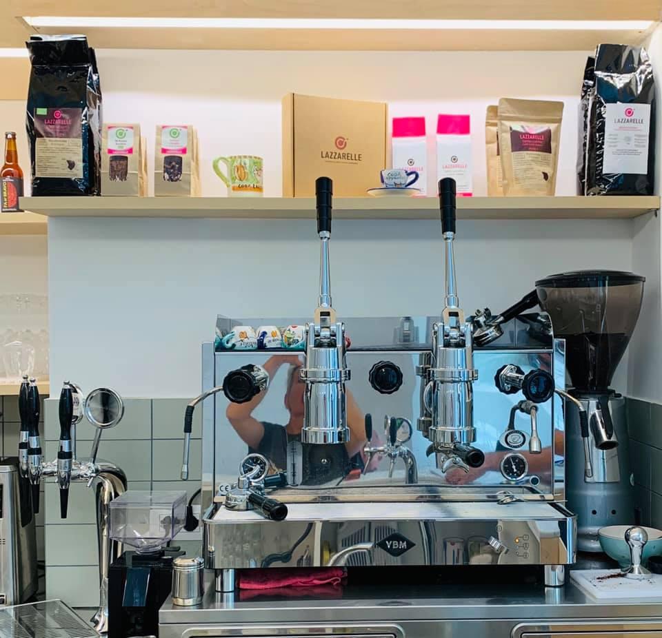 La macchina del caffè al bistrot delle Lazzarelle