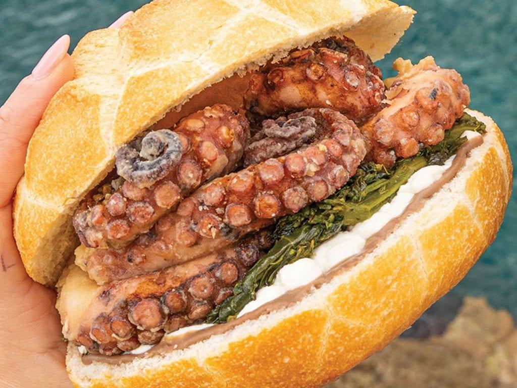 Il panino con polpo fritto di Pescaria