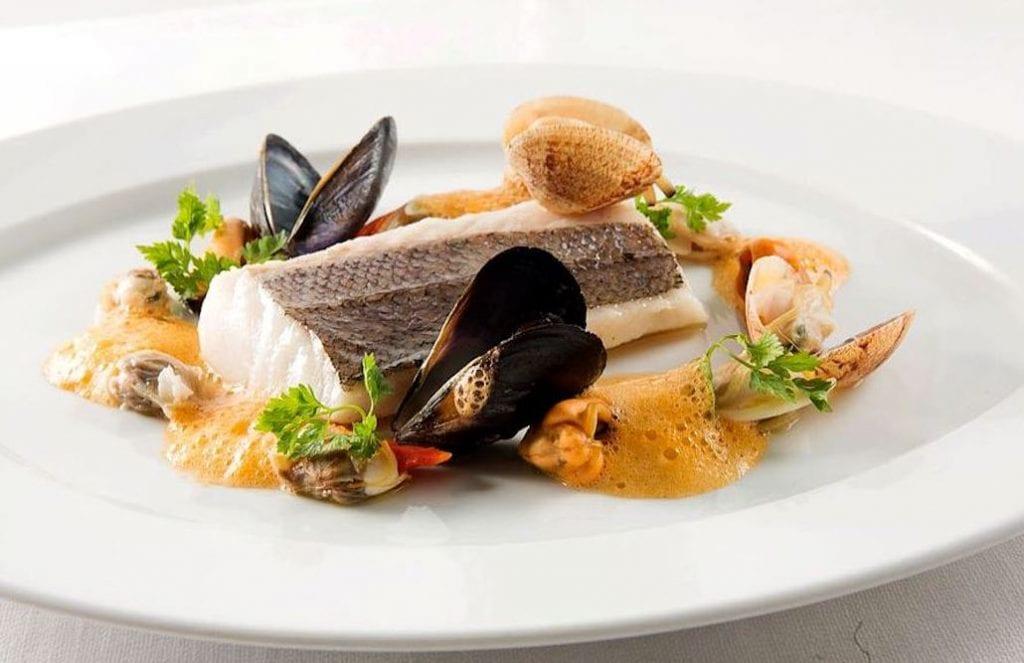 Rendez Vous_Quisisana_merluzzo candito al limone-zuppa di scampi-frutti di mare