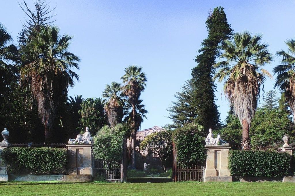 L'ingresso storico del parco di Villa Tasca