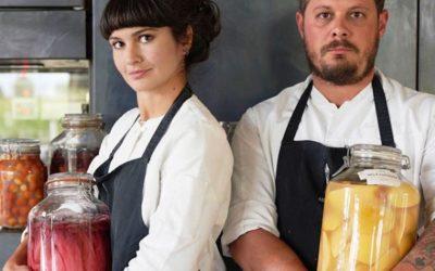 Venissa a Mazzorbo: Chiara Pavan e Francesco Brutto, l'utilizzo dei vasi di vetro permette di eliminare la plastica