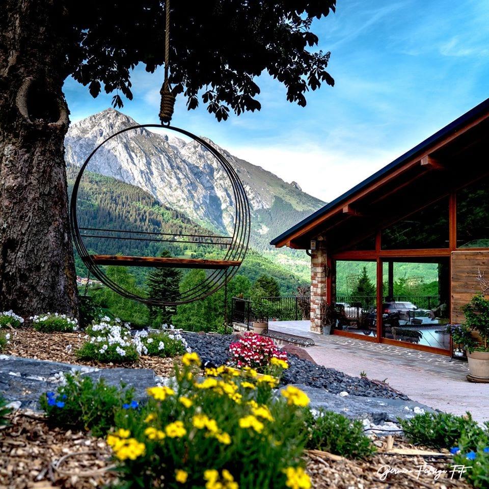 Il giardino con vista sulle montagne di Al Resù