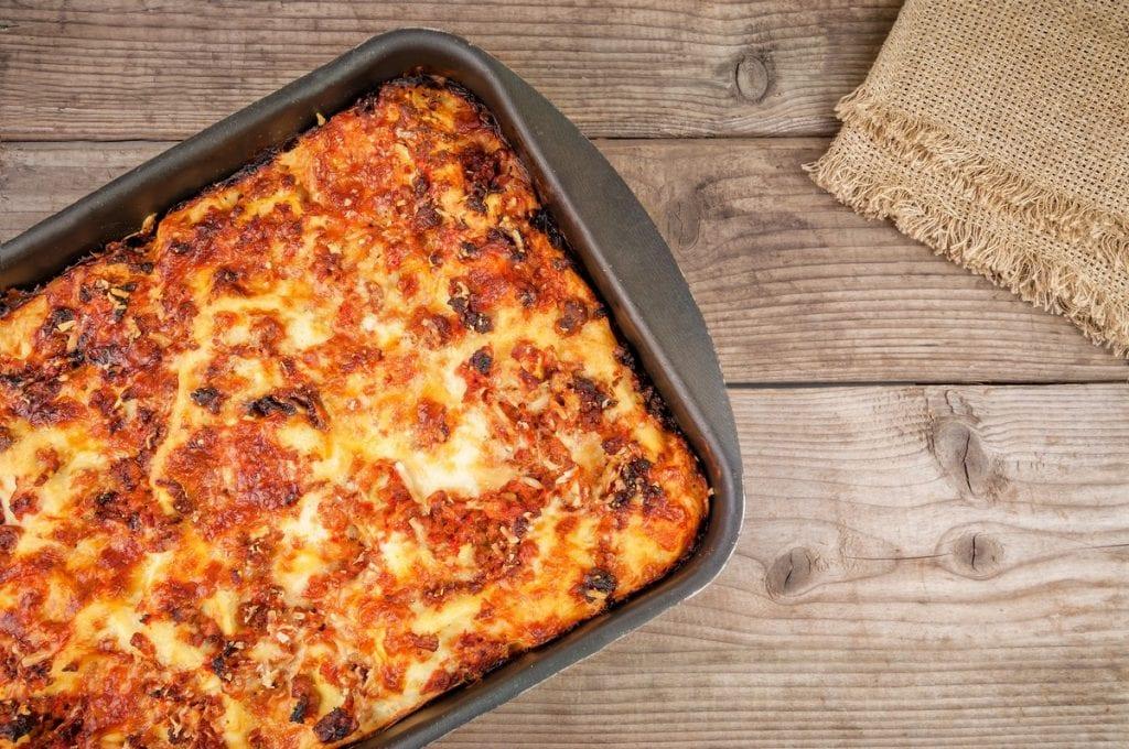 teglia di lasagne alla bolognese