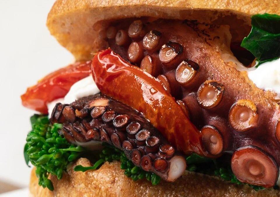 panino con polpo, cicoria e pomodorini confit, Lato Mare