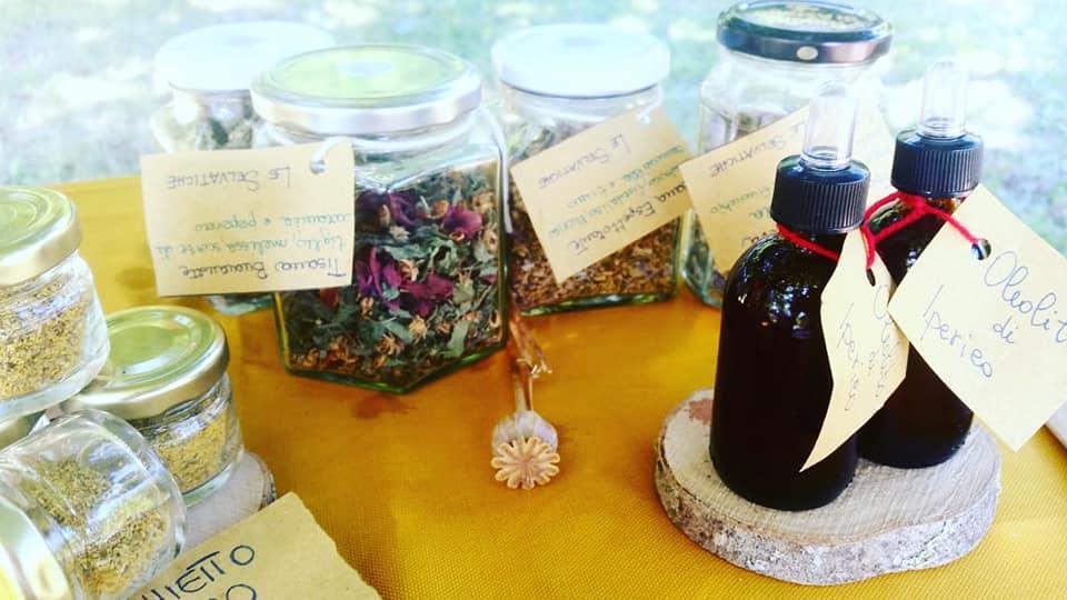 prodotti di cosmesi naturale e tisane