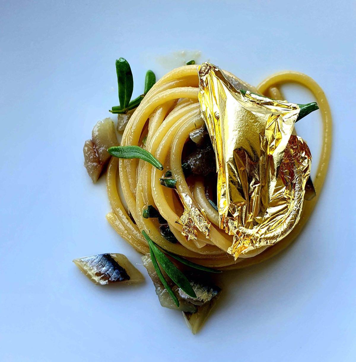 Scopri il menu di Venissa a Mazzorbo: Spaghetti all'oro