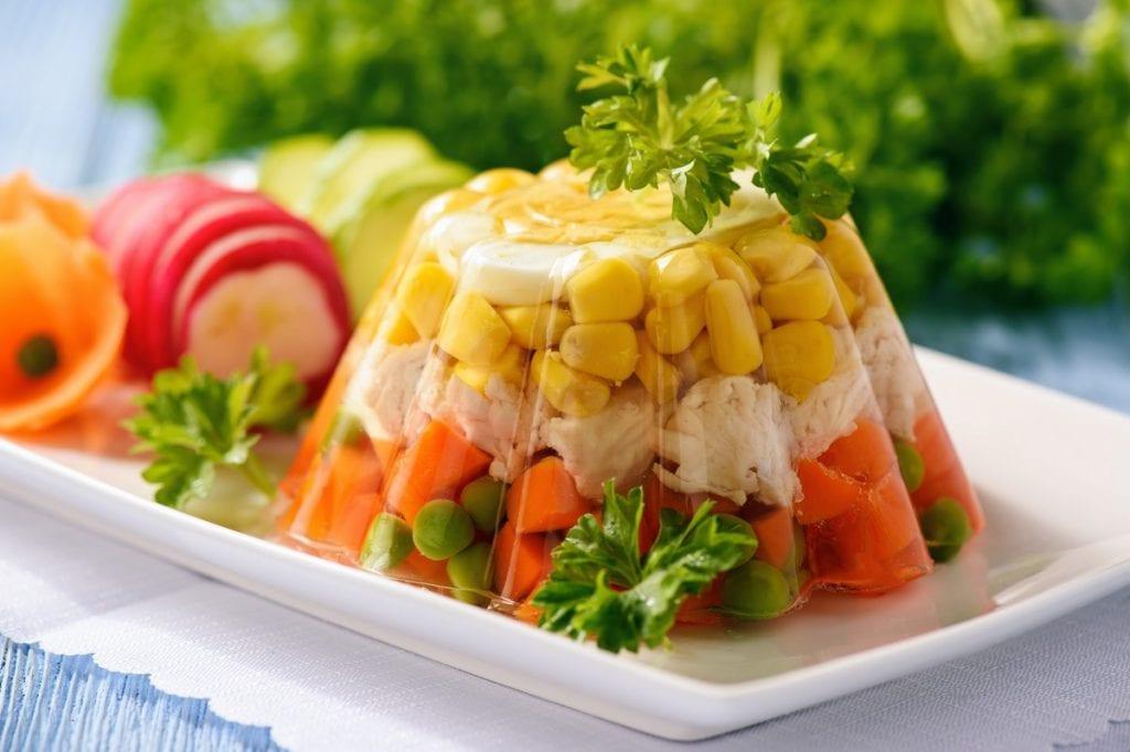aspic con verdure e carne