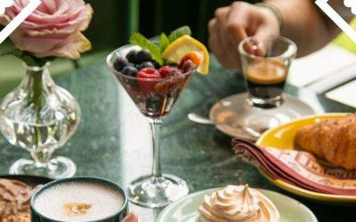 Bohem La Stazione, tavolo con bevande e dolci