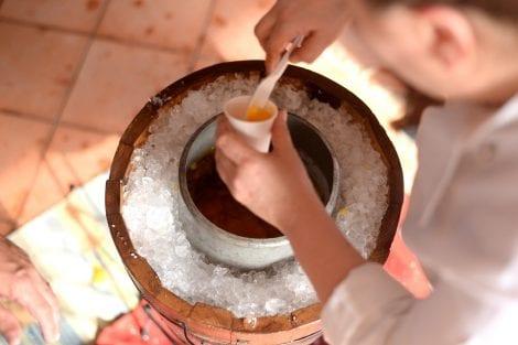 Preparazione di una granita di mango