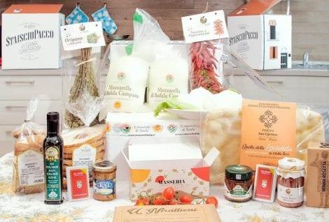 I prodotti del pacco da giù di Casa Surace