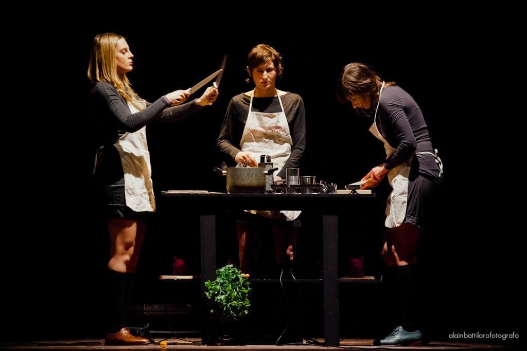 Uno spettacolo sul palco di Play with Food