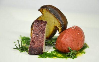 Tartare di manzo, foie gras affumicato alle erbe, agrumi, spezie e porcino arrostito ciavattini viterbo